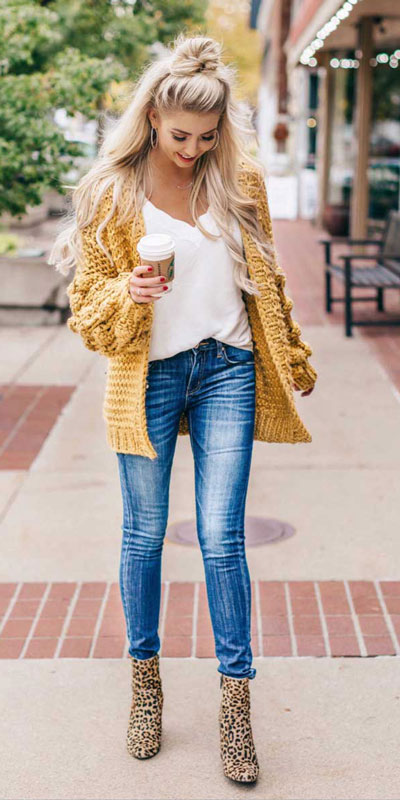 24 Cute Fall Outfits You Should Already Own. Clinch the waist with chunky belts and slip into shimmery satin and silk outfits, because these cute fall clothing are a staple this season. Fall Fashion via higiggle.com | cardigan | #fall #falloutfits #fashion #cardigan