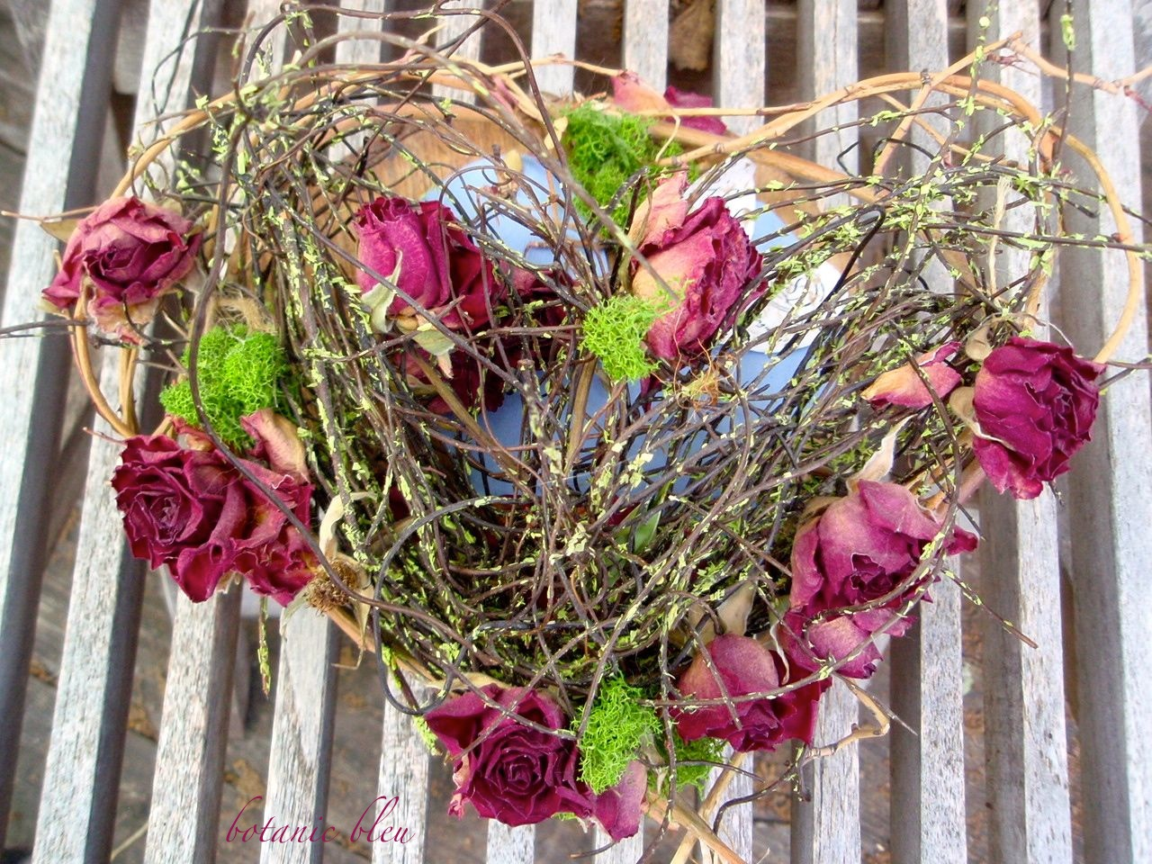 However My Sister Has A Special Talent For Working With Flowers And Her Latest Heart Creation Was This Wild Floral Rustic Vines Create The