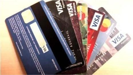 अब खुद सेट कर सकेंगे क्रेडिट और डेबिट कार्ड की ट्रांजेक्शन लिमिट, नए नियम लागू