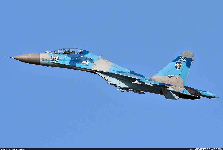 Su-27 бортовий номер 69 синій