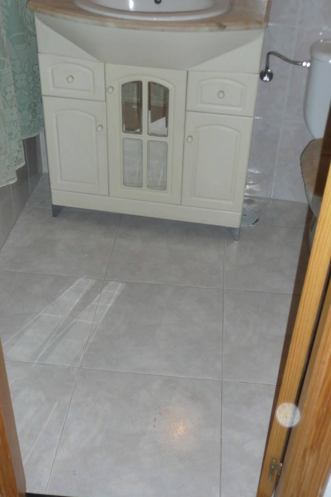 Reparacionesdiarias suelo vinilico para el ba o - Suelos vinilicos para banos ...