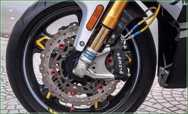 Kampas Rem Merek Brembo - Tip Modifikasi Yamaha Jupiter MX King Exciter Gaya Balap MOTO GP Sporti Keren Abis