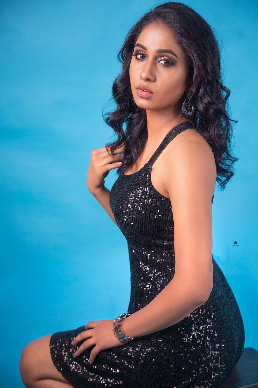Actress Dakkshi Guttikonda Photoshoot