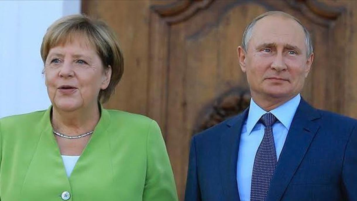 Angela Merkel  desea continuar el comercio de gas y mantener el diálogo con Rusia