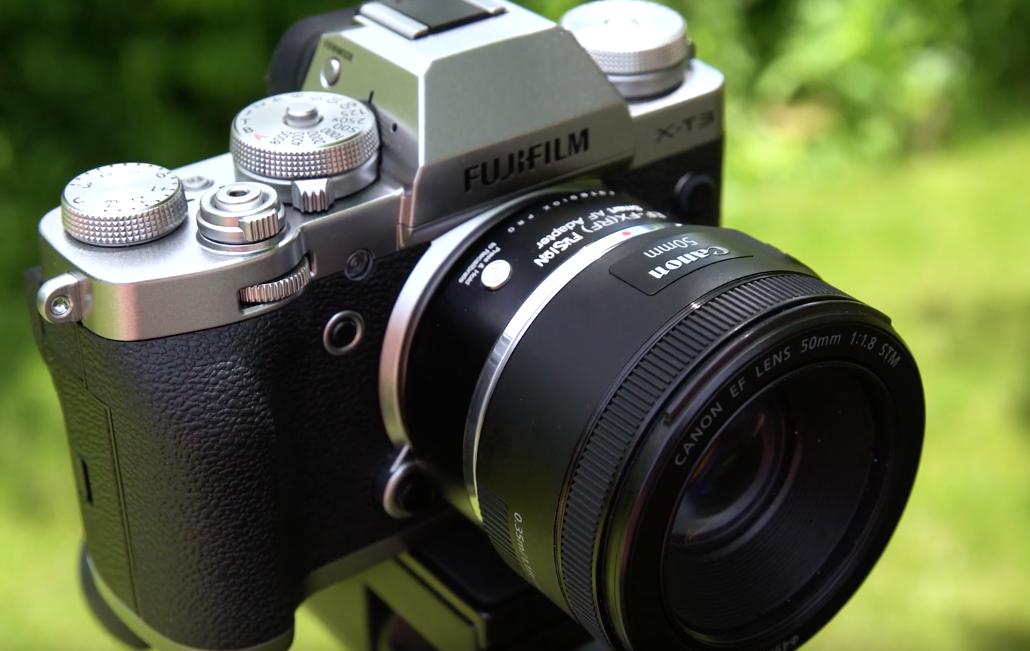 Адаптер Fotodiox Pro EF-FX(RF) Fusion Smart AF установлен на камеру Fujifilm X-T3
