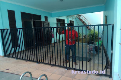 gambar pagar kolam renang besi