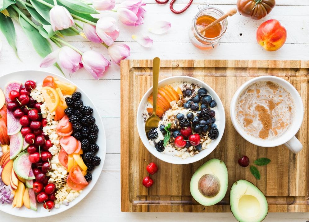 1. Konsumsi Makanan dengan Gizi Tinggi