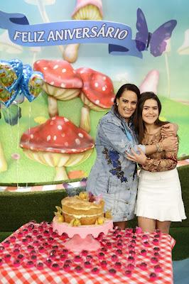 Silvia Abravanel com Maisa Silva - Foto: Gabriel Cardoso/SBT