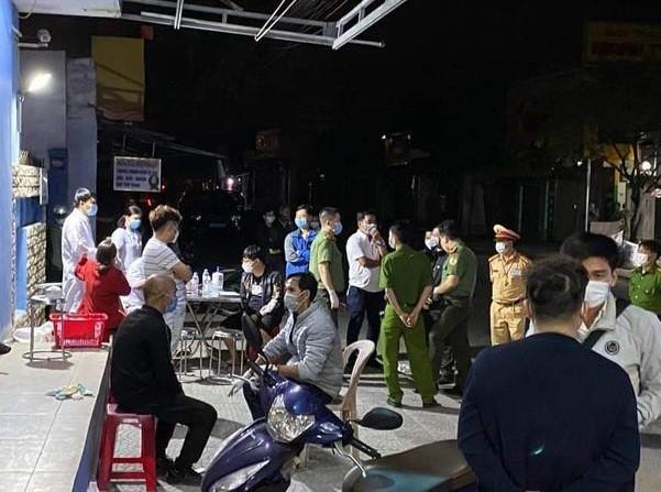 Đuổi thẳng 4 người Trung Quốc không đem hộ chiếu sang Việt Nam trốn Covid-19 về nước