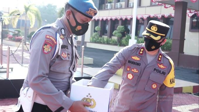 Personel Polres Jepara Sisihkan Sebagian Gaji Bantu Warga Terdampak PPKM Darurat