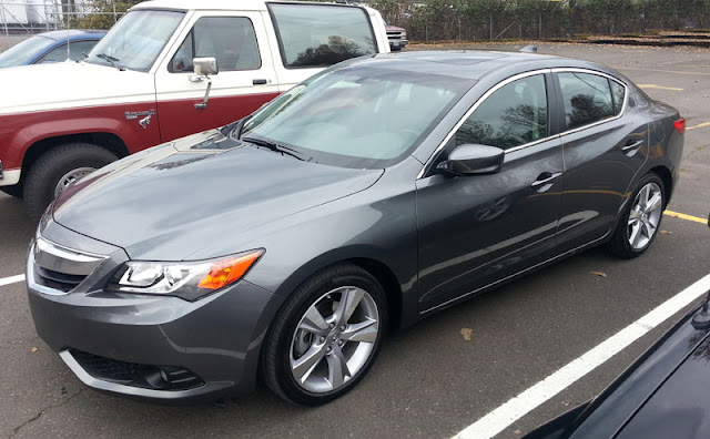 2013 Acura ILX 2.0 automatic with Technology Package