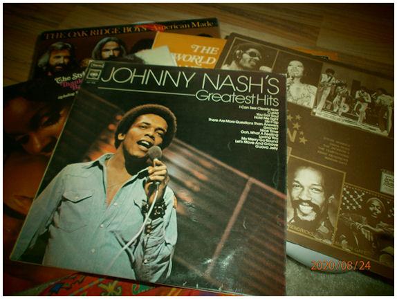 Muutama 70-luvun levyn kotelo amerikkalaista sekä jamakalaista musiikkia.