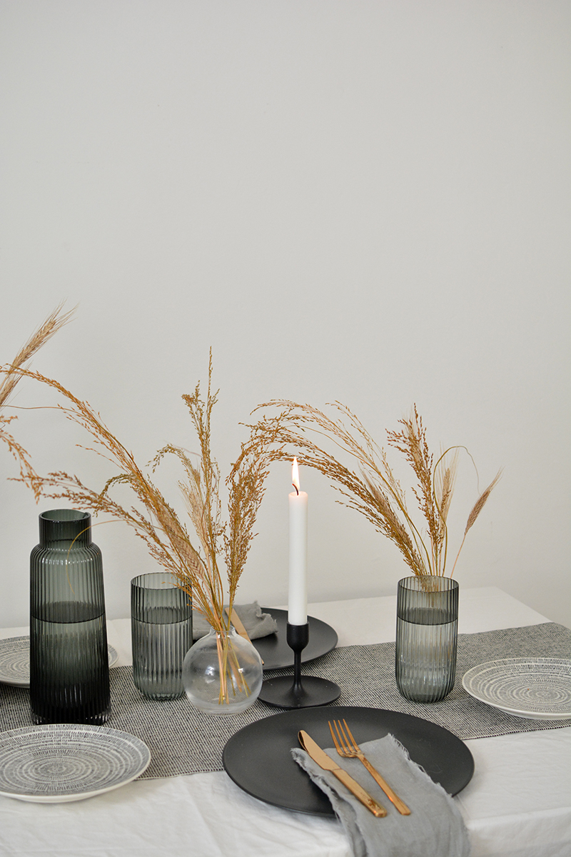 dried flowers modern tablescape