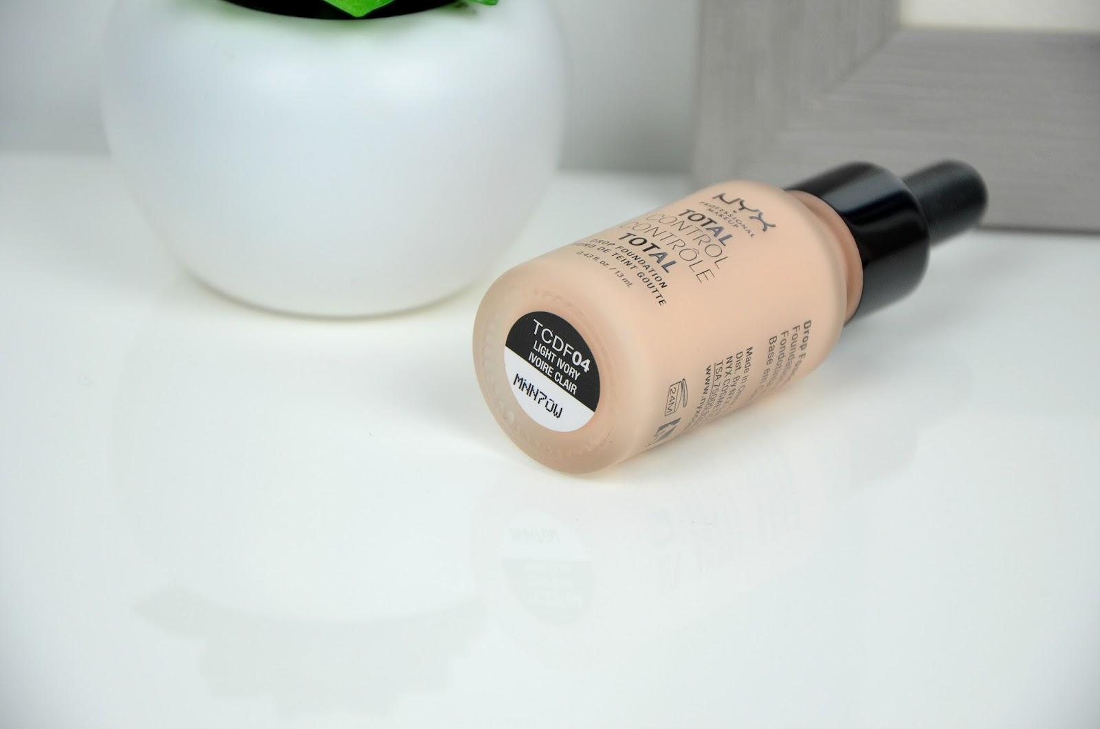 total control foundation fond de teint contrôle total NYX light ivory ivoireclair