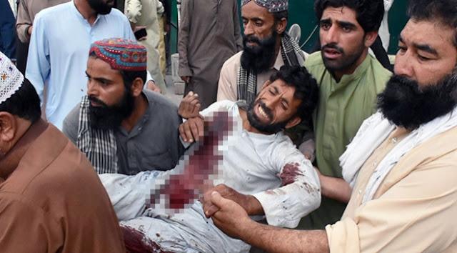 230'dan fazla kişi yaralandı.