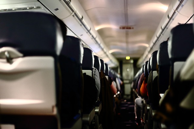 Resiko Naik Pesawat Bagi Ibu Hamil
