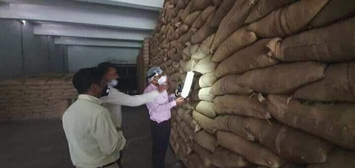 মময়মনসিংহের নান্দাইলের ১০ টাকা কেজির চাল ঈশ্বরগঞ্জ উপজেলার খাদ্যগুদামে