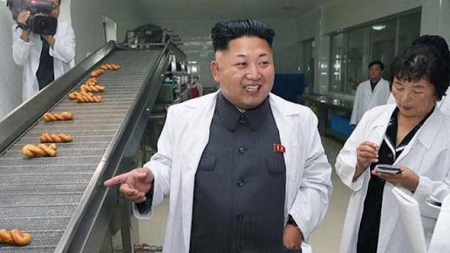 دكتاتور كوريا كيم يونغ يغني موالاً جديداً ويأمر أمراً غريباً! قال: اضربه حتى الموت ثم اسلخه قبل طهيه لإعداد طبق شهي ولذيذ!