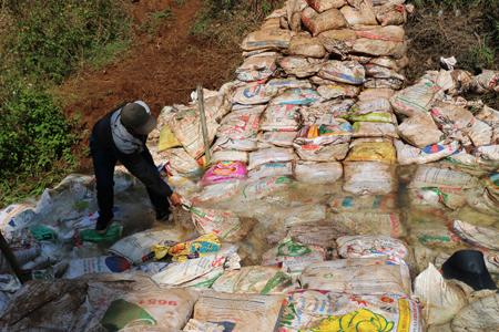 Gia Lai: Vụ dân tố công ty bò sữa chặn dòng suối - Công ty tháo đập