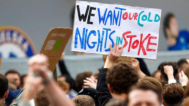 Chelsea fans protest European Super League outside stamford bridge