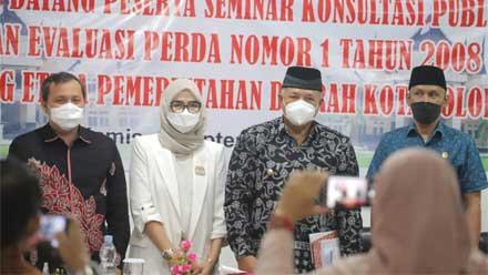 Wako Buka Seminar Konsultasi Publik Tentang Etika Pemko Solok