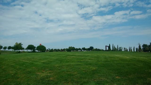 Parque Juan Carlos I Madrid. Area de cometas