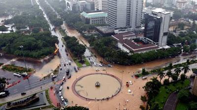 Anies Baswedan Klaim Pemprov DKI Berhasil Kendalikan Banjir dengan Baik di Jakarta