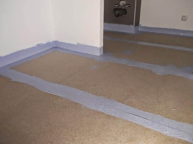 avant la pose du carrelage sur plancher bois etanch it des pi ces humides la maison de. Black Bedroom Furniture Sets. Home Design Ideas