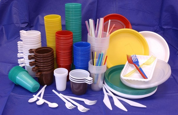 Manufacture of disposable tableware