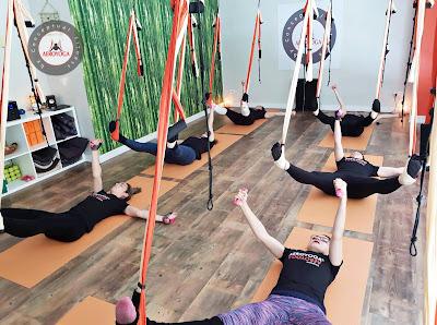 aeroyoga, yoga aereo, yoga aerea, air yoga, aerial yoga, puerto rico, barcelona, madrid, españa, salud, certificacion, formacion, teacher traininig, profesorado