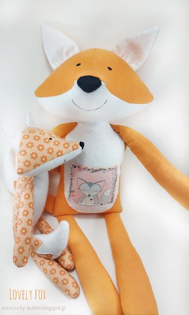"""Lovely Fox""  Υφασμάτινο κουκλάκι μαμά αλεπού με τσεπούλα και το μικρό floral αλεπουδάκι"