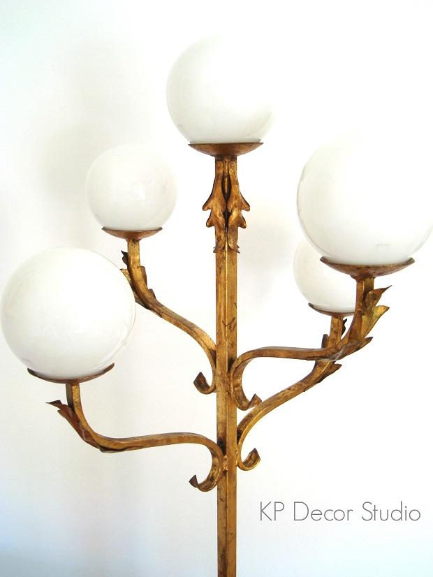 Lámparas antiguas doradas para el salón. comprar lámparas con encanto, especiales, únicas