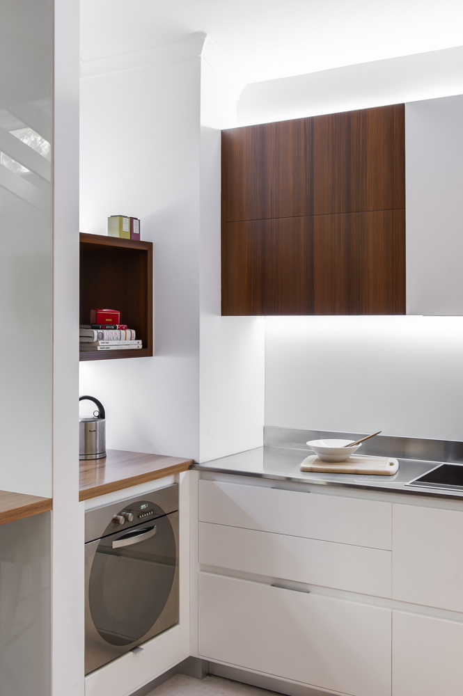 Minosa Clean  Simple lines  Small kitchen by Minosa