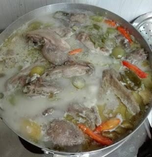 Cara Membuat Garang Asem Ayam Kampung yang Enak