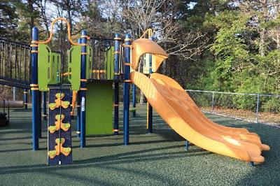 Playstructure Quashnet Elementary School Playground