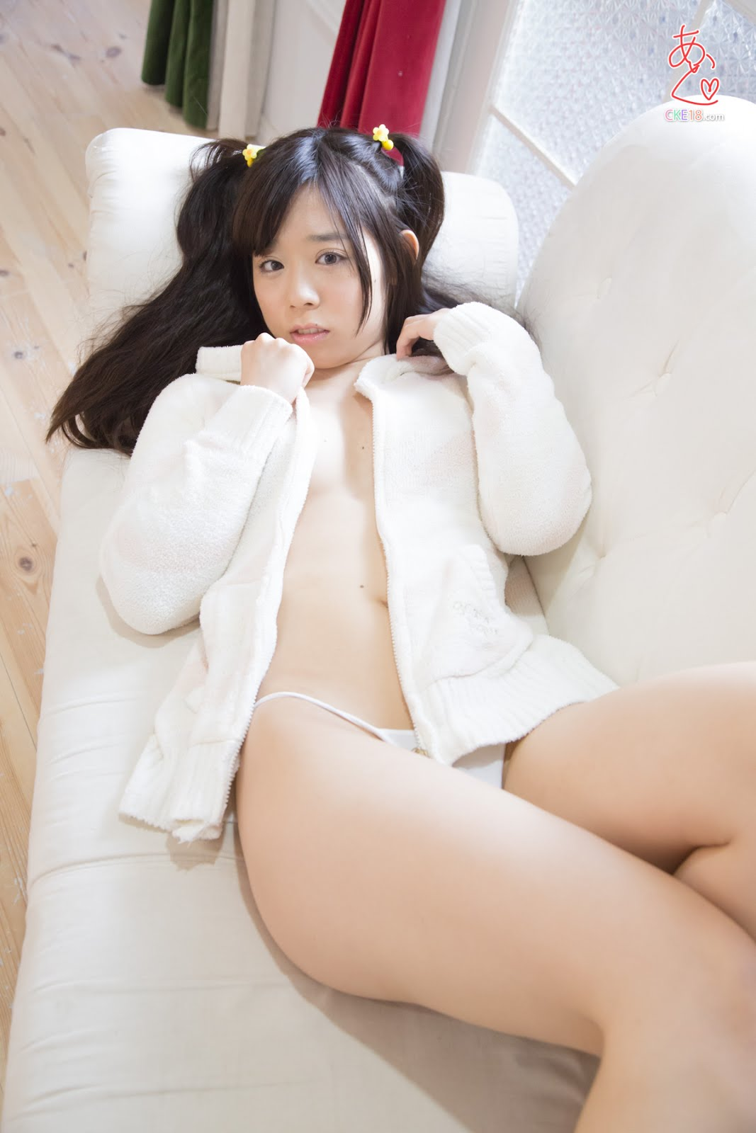 Ảnh sex Japan em học sinh trung học khỏa thân