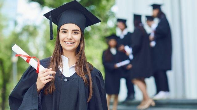 شهادة في اللغة الإنكليزية من King's College London