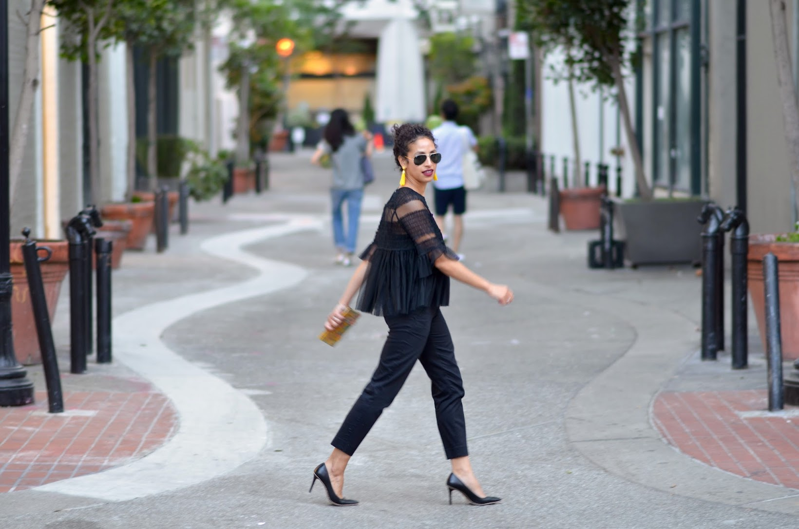 Zara tulle top, all black, chic hallowee syle, Coach stud pumps, BabuleBar Piñata earrings, tulle zara top, romantic ruffle top, Sf street style