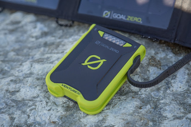 Goal-Zero Solar-Ladegerät venture-30 nomad-7 solar-charging 05