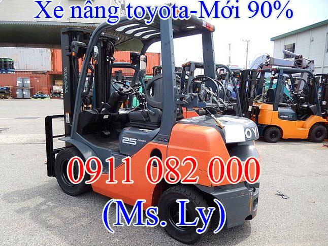 Xe-nang-dien-Toyota