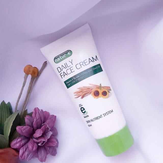 review Natur E Daily face cream