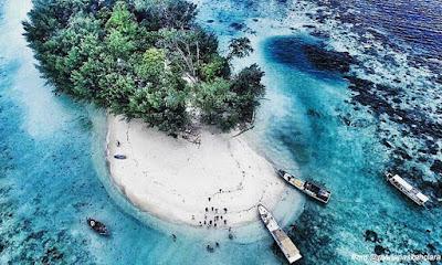 Hasil gambar untuk pulau dolphin