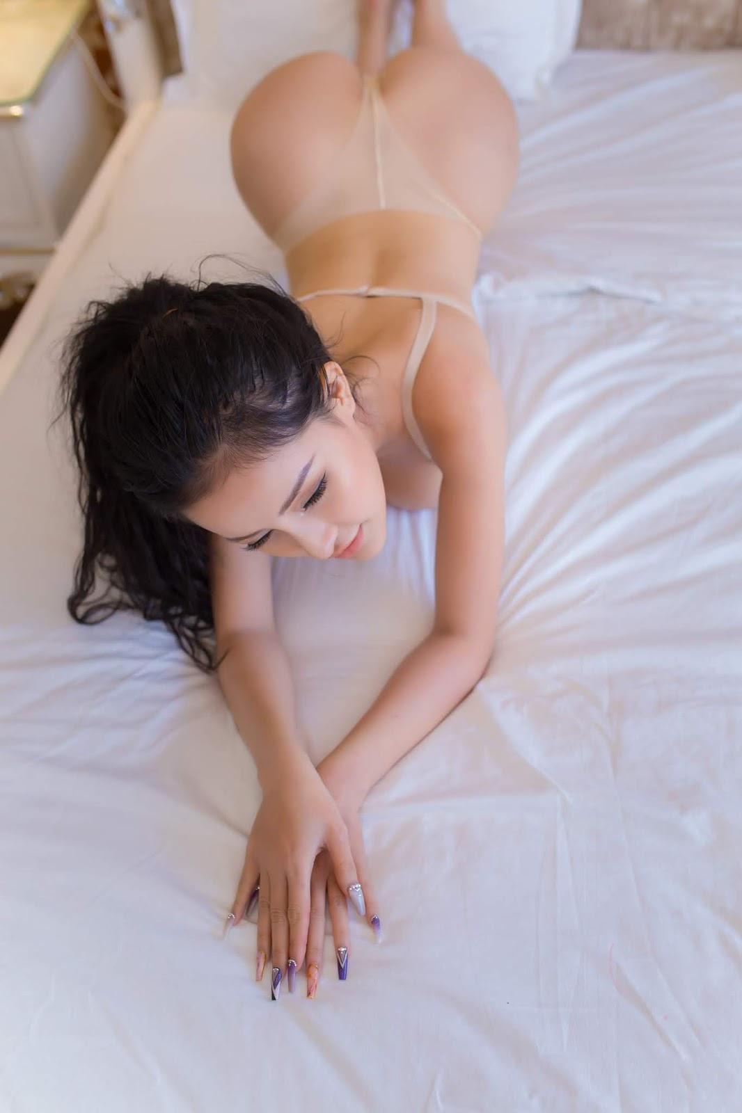 Cận cảnh bộ ngực khủng của Ngân 98 @PhimVu Category Sexy: Việt Nam Nude Girl