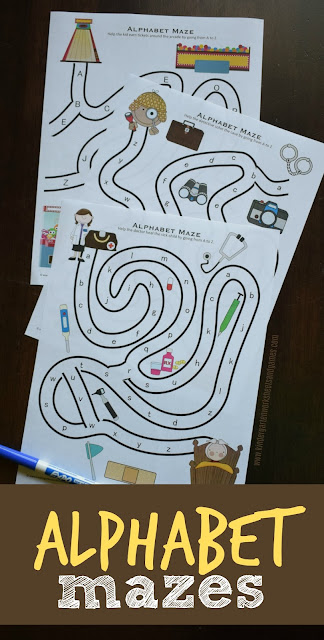 FREE Alphabet Mazes are such a fun way for preschool, and kindergarten age kids to practice their abc #alphabet #alpahbetworksheets #preschool #kindergarten #firstgrade #alphabeticalorder #kindergartenworksheetsandgames #freeworksheets