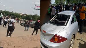 BREAKING: Dangerous thugs attacks EndSARS protesters,destroy cars in Abuja