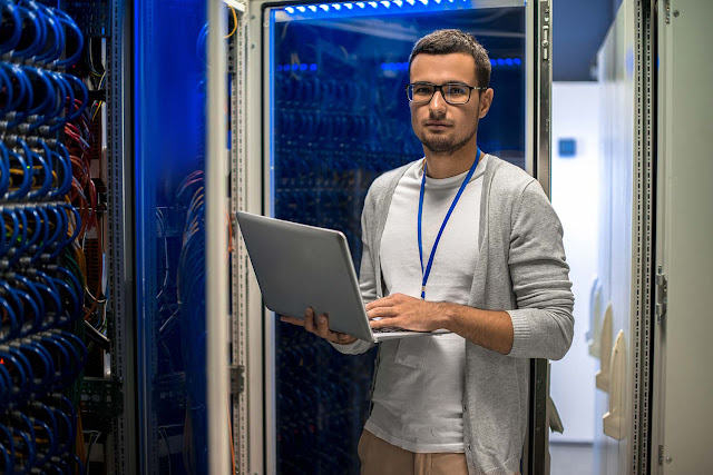 Top 4 Benefits of Server Automation: Increase Efficiency and Reliability