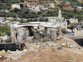 בית הרוס קרוב לקו הסיפוח בצד הישראלי