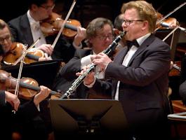 Wenzel Fuchs solista con la Filarmónica de Berlín. Clariperu