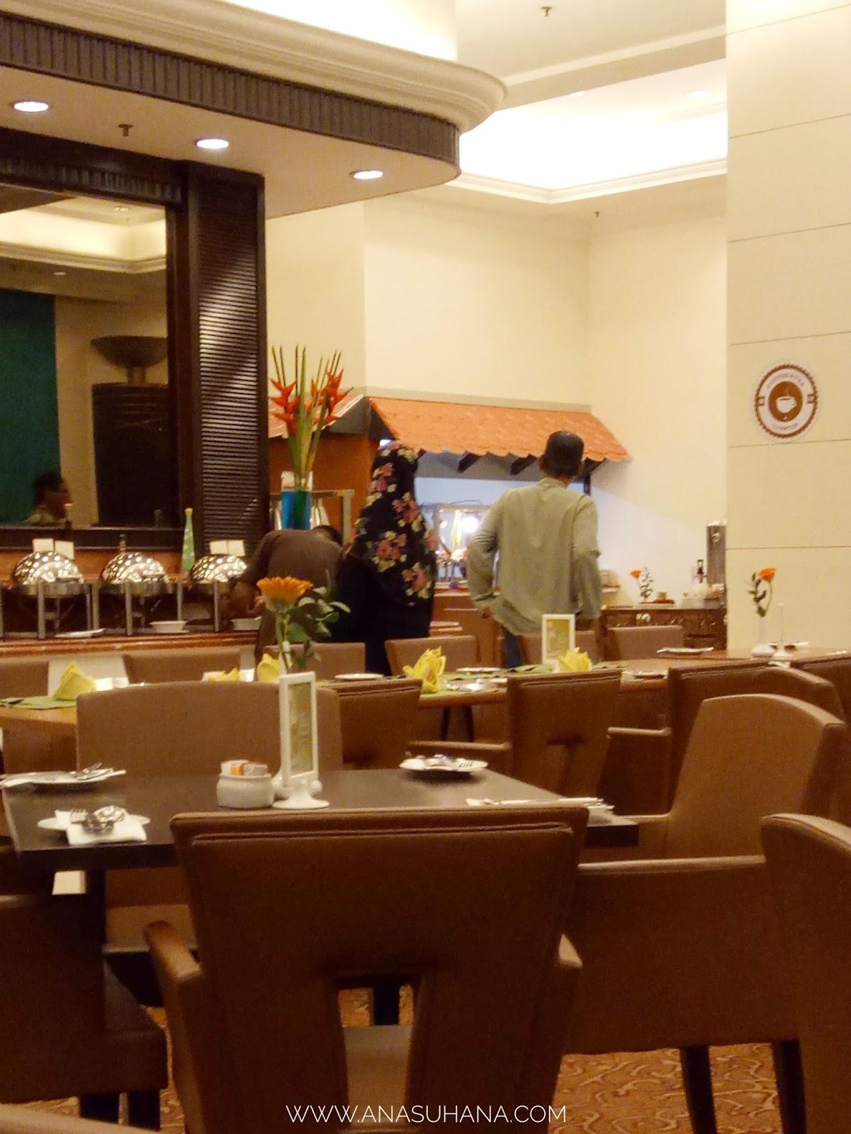 Dinner di Hotel Grand BlueWave Shah Alam