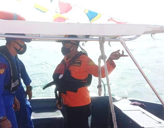 Tim SAR Gabungan Belum Menemukan Bujang Yang Terjatuh ke Laut di Perairan Terumbu Raya